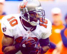 Signed NFL Super Bowl MVP Champion Dexter Jackson.
